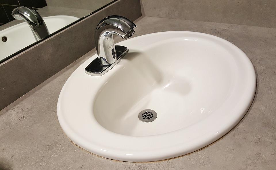 Faire installer un adoucisseur d'eau par un plombier